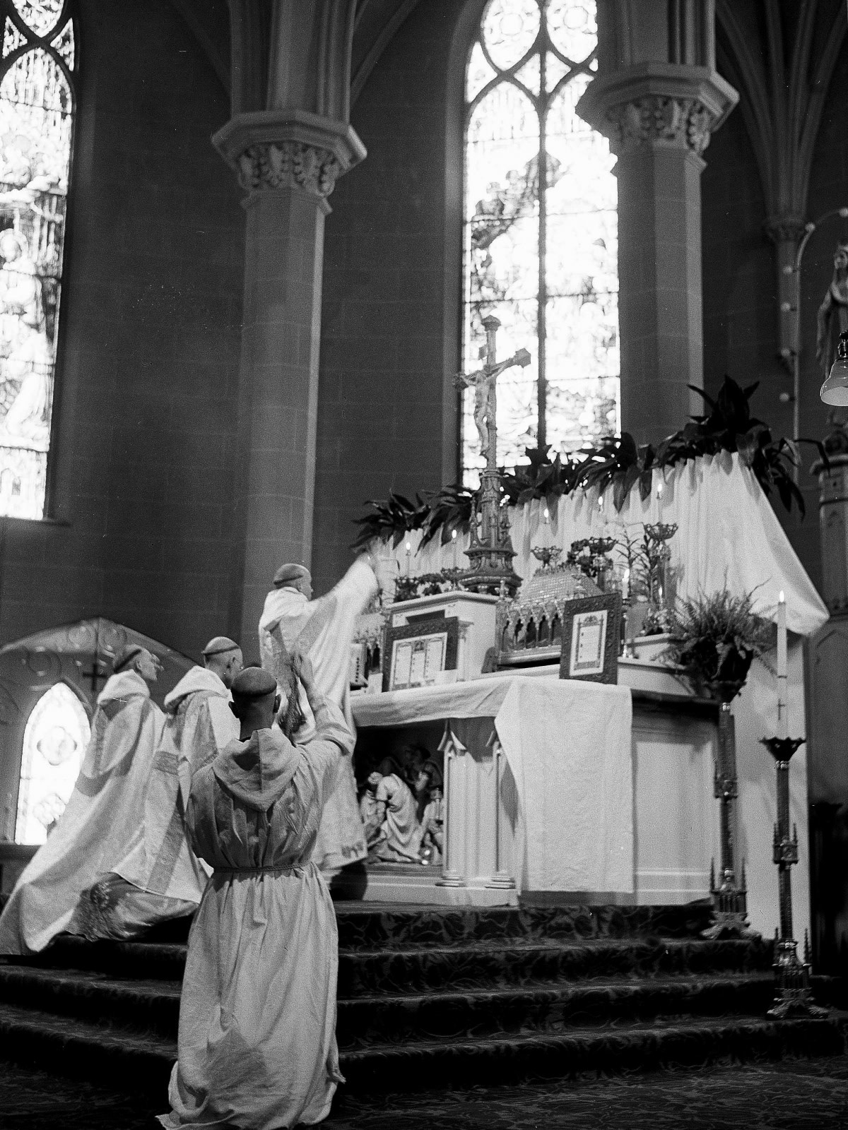 web2-photo-of-the-day-thomas-merton-first-mass-ap_523601376629-hr-littell-ap-archives